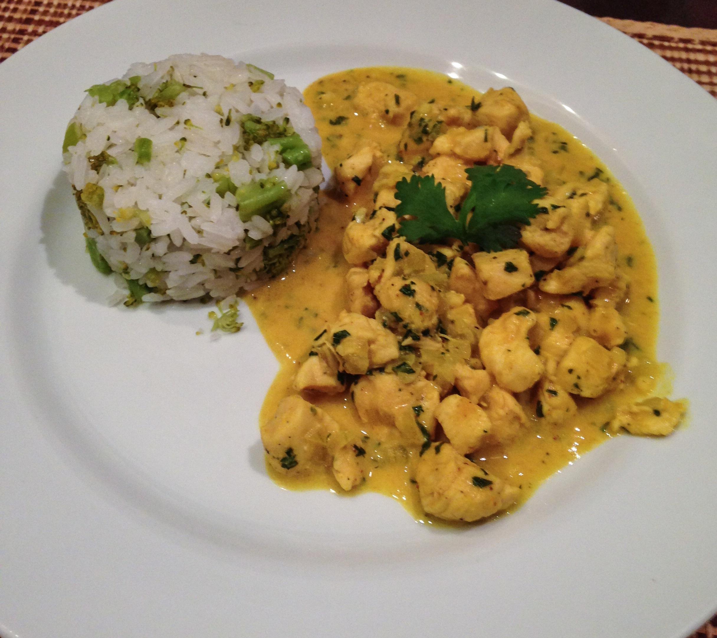 Frango ao curry + Arroz com brócolis