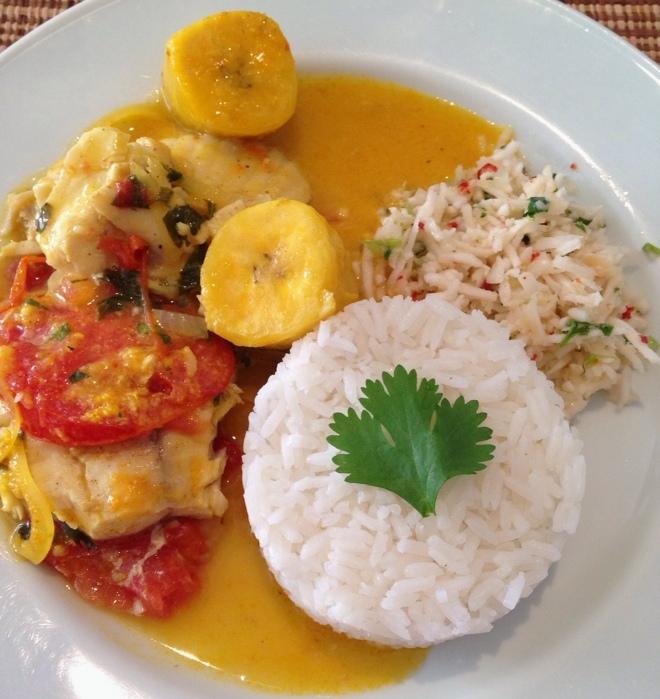 Moqueca de Saint Peter e banana da terra + vinagrete de coco fresco + arroz