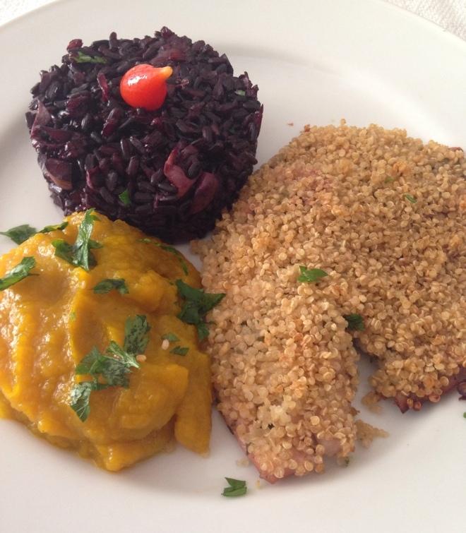 FIlé de Saint Peter em crosta de Quinoa + Arroz negro com alcachofra e castanhas + purê de abóbora Kabocha com gengibre